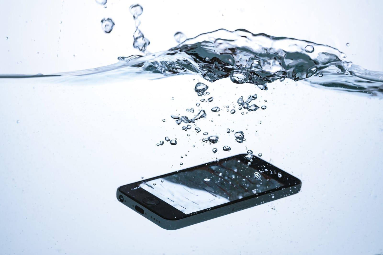 スマホ 携帯 水没